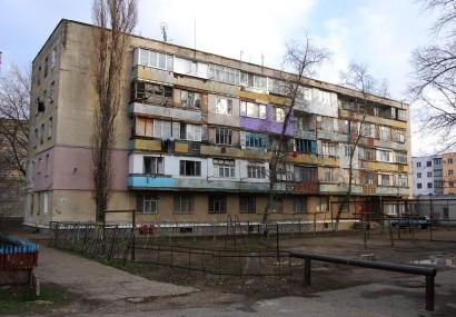Ein Wohngebiet in Tiraspol. Hier arbeitet eine der wenigen NGOs Transnistriens. Interaction kümmert sich um die Opfer häuslicher Gewalt und von Menschenhandel. Gerade letzteres ist ein großes Problem in Transnistrien und der Republik Moldau und betrifft Frauen wie Männer.