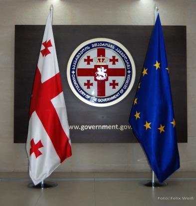 Seit 2014 ist ein Assoziierungsabkommen zwischen der EU und Georgien in Kraft. Die Umsetzung des Assoziierungsabkommens ist ein langwieriger Prozess, da er tiefgreifende wirtschaftliche, soziale und legislative Reformen beinhaltet.